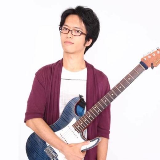 旋律工房音樂製作 Favorite Steps團隊作編曲家、吉他手。擅長動漫及J-POP偶像女團樂風。作品提供立花理香、駒形友梨…及新網球王子等數十部知名動漫。